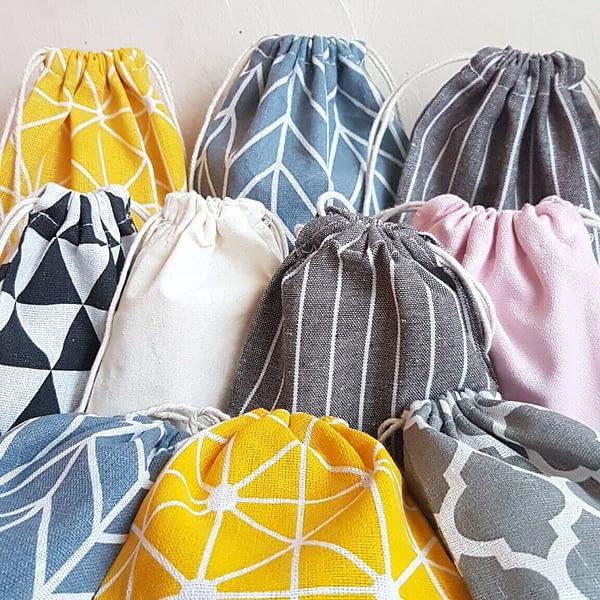Värvilised riidest kotid